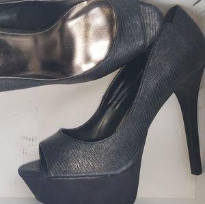 Size 11 black heel